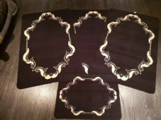 ROMANY GYPSY WASHABLES NON SLIP SETS OF 4 MATS/RUGS BLACK-CREAM GOOD THICK MATS